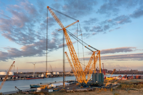 the largest crane in the world